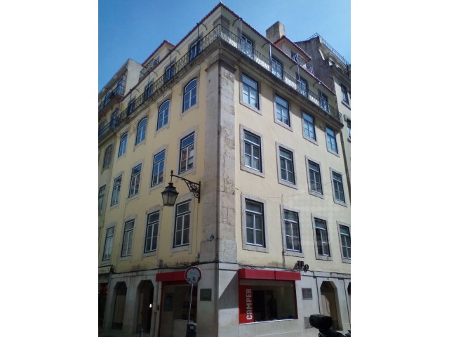 Investment Property_for_sale_in_Lisboa_SLI12001