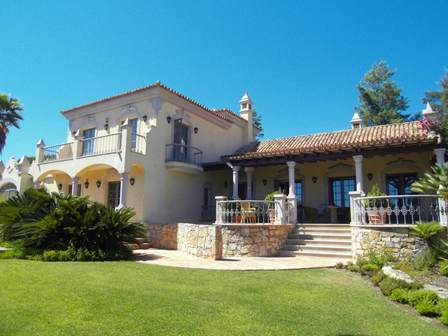 Villa for sale in almancil private villa ref sma6907 for Cheap luxury homes