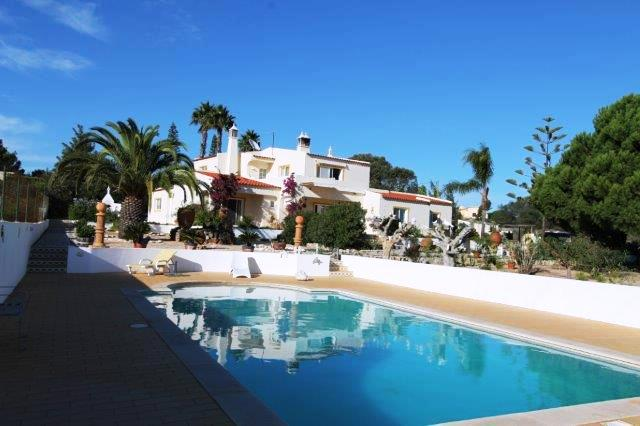 Bed & Breakfast_for_sale_in_Carvoeiro_LDO7739