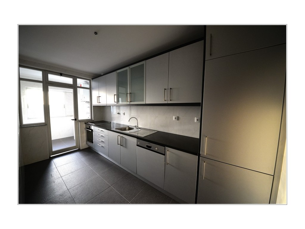 Condominium_for_sale_in_Porto_PSE8002